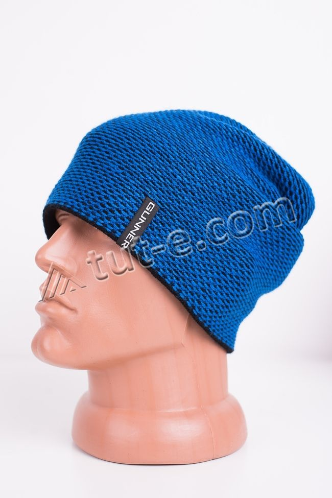 Синяя мужская шапка